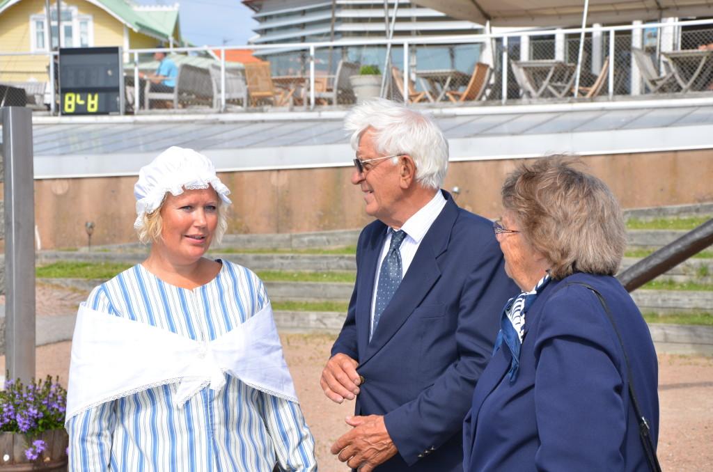 Tomas Kocks släktingar välkomnades till vernissagen
